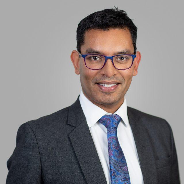 Dr Dominic de Souza